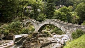 Ponte dei Salti, Lavertezzo 瑞士 免版税库存照片