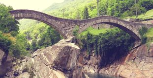 Ponte dei Salti, Lavertezzo 瑞士 库存照片