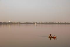 Ponte del bein del paesaggio U del punto di riferimento, lago Taungthaman, Amarapura, città di Mandalay del Myanmar burma fotografia stock