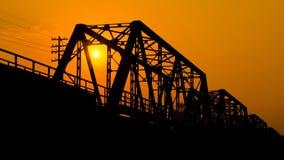 Ponte del ferro al tramonto Immagini Stock