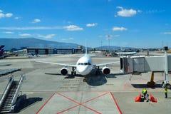 Ponte del jet dell'aereo dell'aeroporto Fotografia Stock