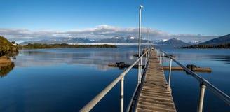 Ponte del lago fotografie stock
