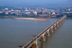 Ponte del Laotiano-Giappone sopra il Mekong alla città del sud di laotiano di Pakse nella provincia di Champasak, laotiano PDR Immagine Stock Libera da Diritti