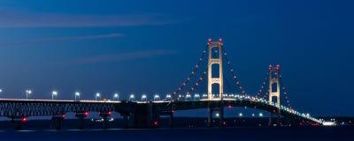 ponte del mackinaw alla notte Fotografie Stock Libere da Diritti