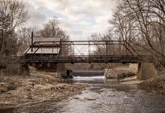 Ponte del mulino del pino nello Iowa Fotografia Stock