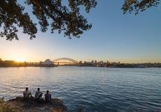 Ponte del porto e del teatro dell'opera in Sydney Australia Immagine Stock Libera da Diritti