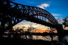 Ponte del portone dell'inferno ed in siluetta, New York immagine stock libera da diritti