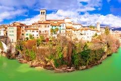 Ponte del ` s del diavolo di Cividale del Friuli e pentola del canyon del fiume di Natisone Fotografie Stock