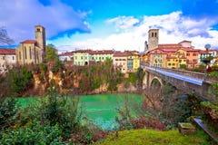 Ponte del ` s del diavolo di Cividale del Friuli e pentola del canyon del fiume di Natisone Fotografia Stock
