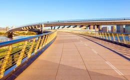 Ponte del scena-pedone di Tai-Yuan sul fiume di Fenhe del Th immagine stock