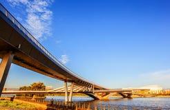 Ponte del scena-pedone di Tai-Yuan sul fiume di Fenhe del Th fotografia stock libera da diritti