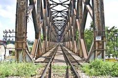 Ponte del treno a Belgrado Immagini Stock