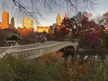 Ponte dell'arco in autunno tardo Immagine Stock Libera da Diritti
