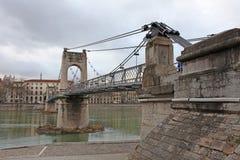 Ponte dell'istituto universitario dell'ingresso a Lione, Francia Immagine Stock