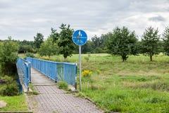 Ponte della bicicletta o del pedone immagine stock