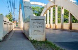 Ponte della corrente di Anahulu della città di Haleiwa Immagini Stock