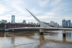 Ponte della donna in Puerto Madero Argentina immagini stock libere da diritti