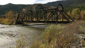 Ponte della ferrovia della valle del bollitore sopra Nicola River stock footage