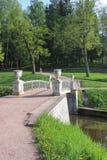 Ponte della ghisa nel parco di Pavlovsk Fotografie Stock Libere da Diritti