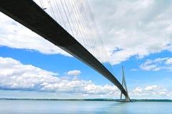 Ponte della Normandia sopra esposizione lunga della Senna Le Havre, Francia Fotografia Stock
