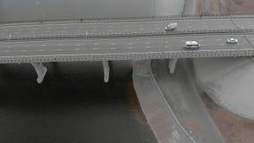 Ponte della strada, metraggio aereo da un elicottero video d archivio