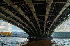Ponte della trinità - ponte di basculla attraverso il Neva a St Petersburg, Russia, il terzo ponte permanente a St Petersburg immagini stock libere da diritti