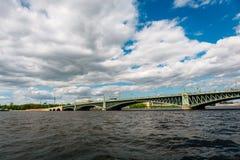 Ponte della trinità a St Petersburg fotografie stock libere da diritti