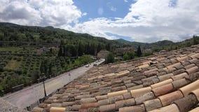Ponte della vista di lasso di tempo di Porta Cartara, regione di Ascoli Piceno, Marche, Italia stock footage