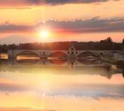 Ponte di Avignone con il fiume Rodano al tramonto, san-Benezet di Pont, Provenza, Francia Immagini Stock Libere da Diritti