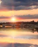 Ponte di Avignone con il fiume Rodano al tramonto, san-Benezet di Pont, Provenza, Francia Fotografie Stock
