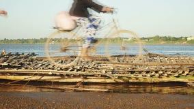 Ponte di bambù, passerella, ponte, video d archivio