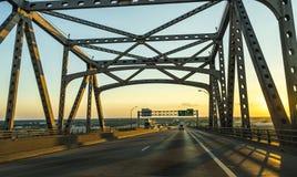 Ponte di Baton Rouge sopra il fiume Mississippi Fotografia Stock Libera da Diritti