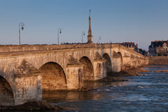 Ponte di Blois, di Loir et di Cher fotografie stock
