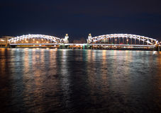 Ponte di Bolsheokhtinsky nella notte Fotografie Stock Libere da Diritti