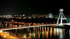 Ponte di Bratislava - lasso di tempo di traffico stock footage
