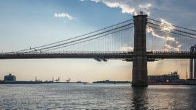 Ponte di Brooklyn al crepuscolo immagine stock libera da diritti