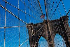 Ponte di Brooklyn alla luce di giorno, New York Stati Uniti fotografia stock libera da diritti