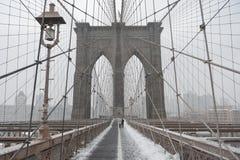 Ponte di Brooklyn, bufera di neve - New York Fotografia Stock Libera da Diritti