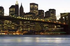 Ponte di Brooklyn del centro di Manhattan Fotografie Stock Libere da Diritti