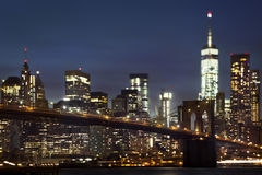 Ponte di Brooklyn dello spostamento di inclinazione alla notte Fotografie Stock