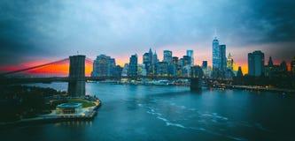 Ponte di Brooklyn di New York e del centro Immagine Stock