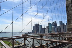 Ponte di Brooklyn e della vista su Manhattan Fotografie Stock