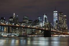 Ponte di Brooklyn e grattacieli del centro a New York Immagini Stock Libere da Diritti