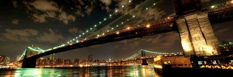 Ponte di Brooklyn nella penombra Fotografia Stock
