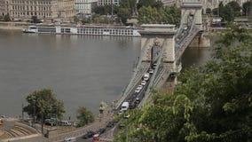 Ponte di Budapest a Danubio stock footage