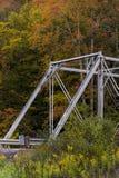 Ponte di capriata storico di Pratt - fiume orientale di Greenbrier della forcella, Virginia Occidentale immagine stock