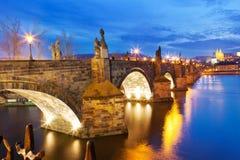 Ponte di Charles, fiume di Moldau, poca città, Praga Fotografia Stock Libera da Diritti