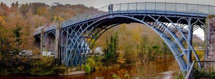 Ponte di ferro Immagini Stock