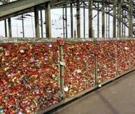 Pontedi HohenzollernColonia Germania Amore per sempre Fotografia Stock Libera da Diritti