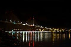 Ponte di Kessock alla notte Fotografie Stock Libere da Diritti